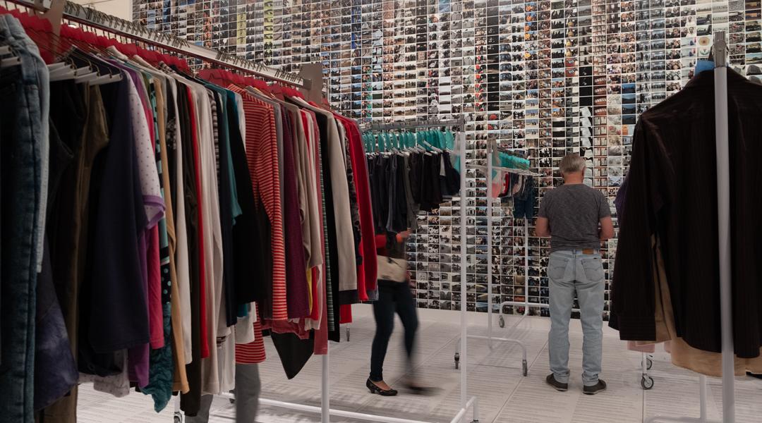 Ai Weiwei - Laundromat (2016)